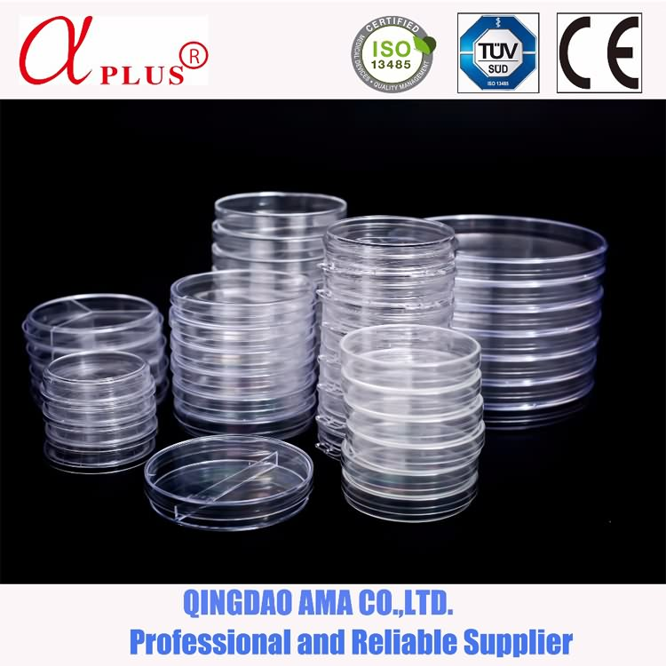 Medical or laboratory disposable plastic petri dishes