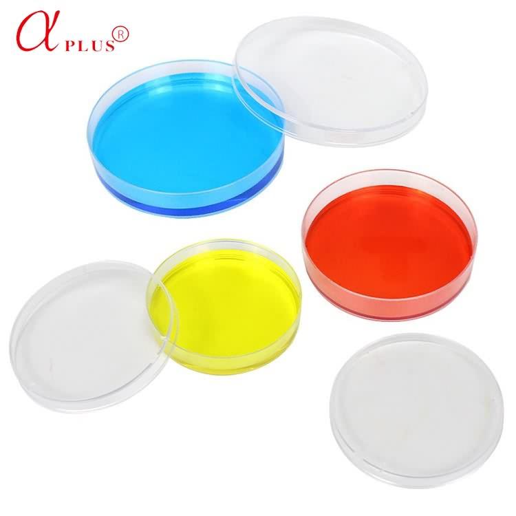 Laboratory different size disposable sterile plastic petri dish